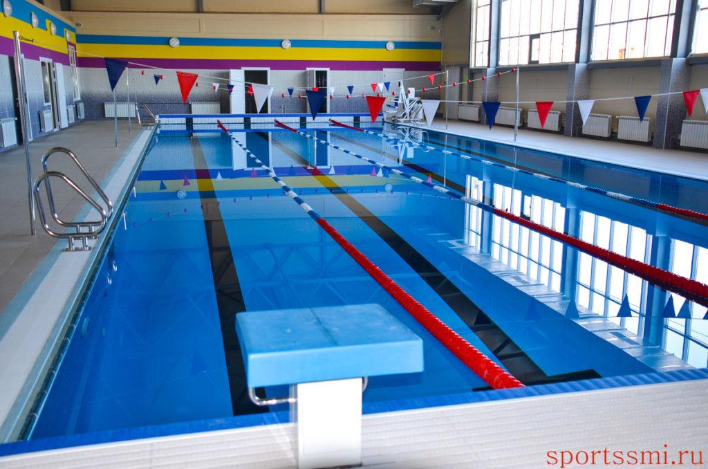 В бассейне фитнес-клуба Казани утонул молодой спортсмен | Новости спорта
