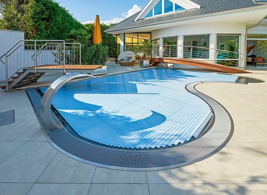 Как проводится ремонт бассейнов?